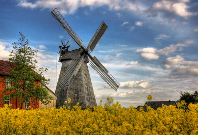 Qu es un molino de viento y como funciona mente y for Piscina molino de viento y sombrilla